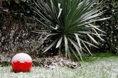 Susanne-Engelhardt-red-ball-in-the-snow1_sml